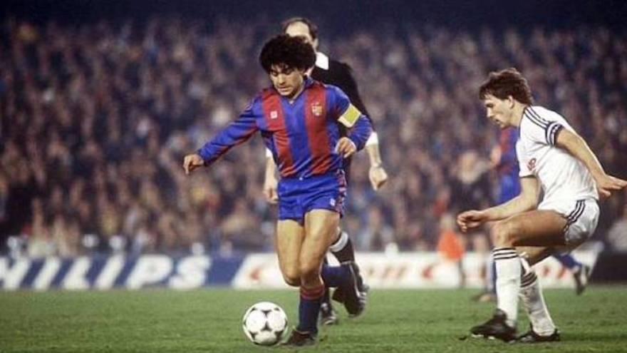 Maradona jugó unos años en el Barcelona