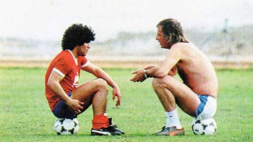 Maradona junto a César Menotti