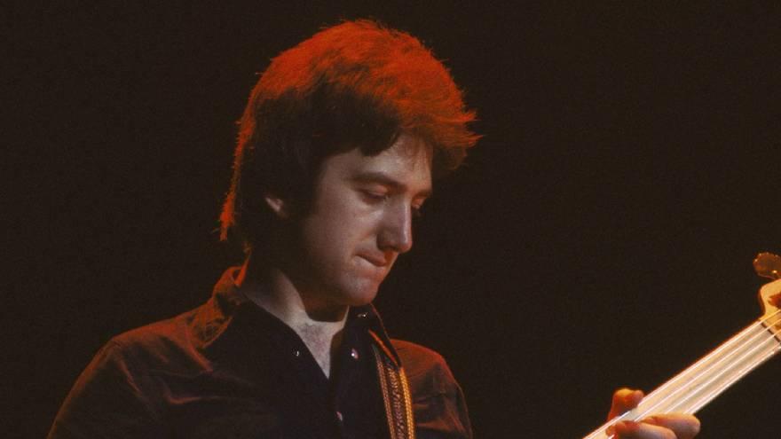 John Deacon fue el único que no quiso cantar