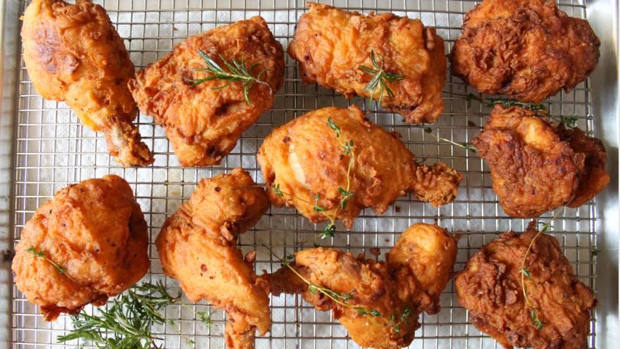 El pollo rico, aunque es sabroso, no es saludable