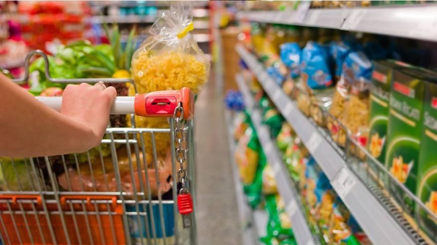 Para hacer las compras es necesario respetar los cuidados básicos, como la distancia y el uso de barbijo
