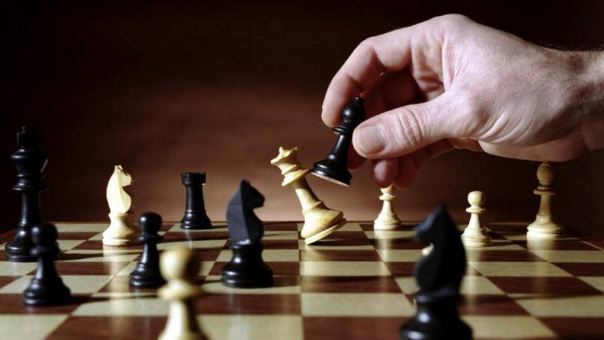 El ajedrez tiene, al igual que las batallas, tres etapas claramente definidas