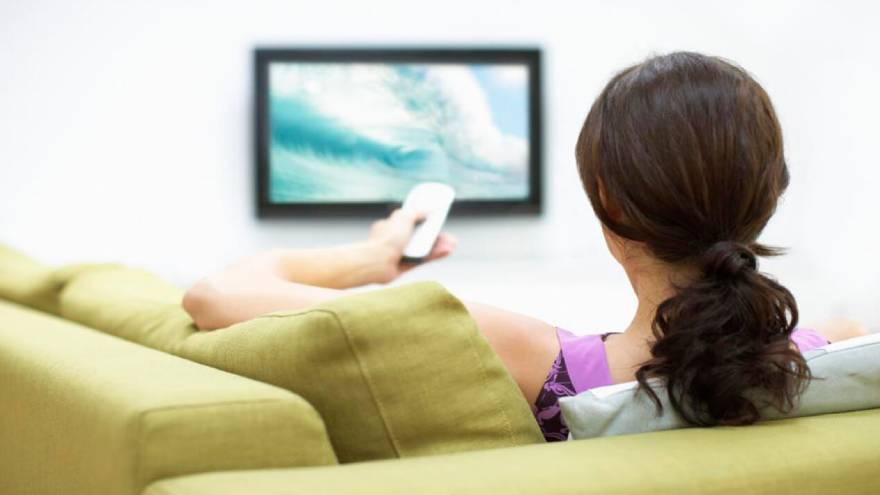 Las señales de TV paga deberán incluir señales locales de la zona en la que operan