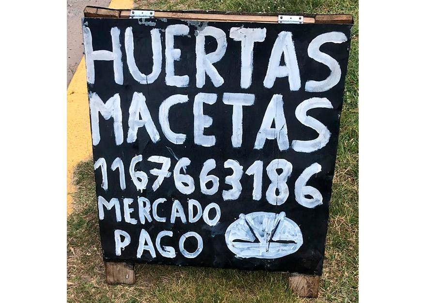 Otro de los carteles con logo de Eduardo.