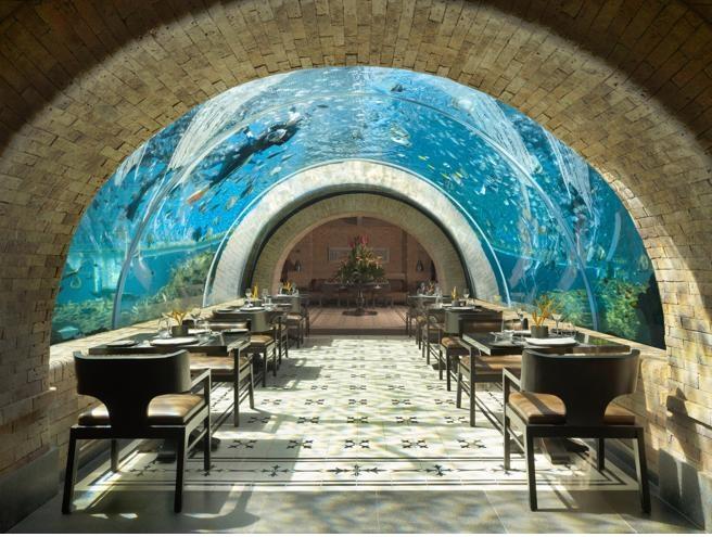 El restaurante Koral es el primer restaurante-acuario de Bali