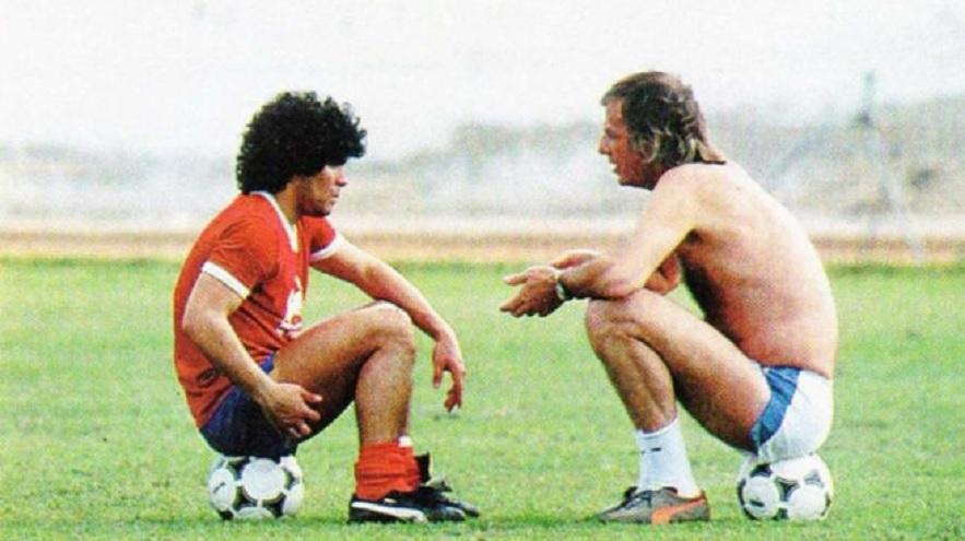 Maradona fue dirigido en Barcelona por César Luis Menotti