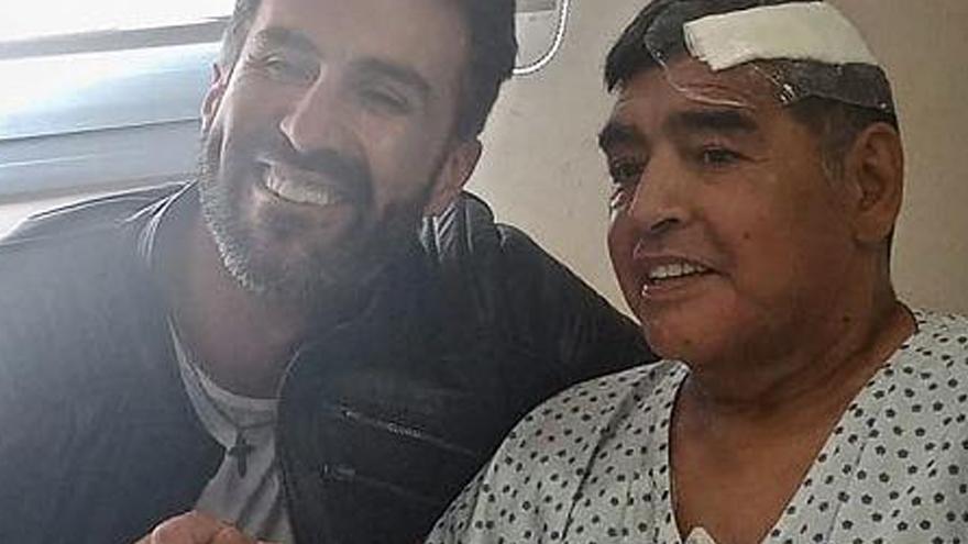 Maradona había sido operado hace poco menos de tres semanas y realizaba su rehabilitación en la quinta donde falleció