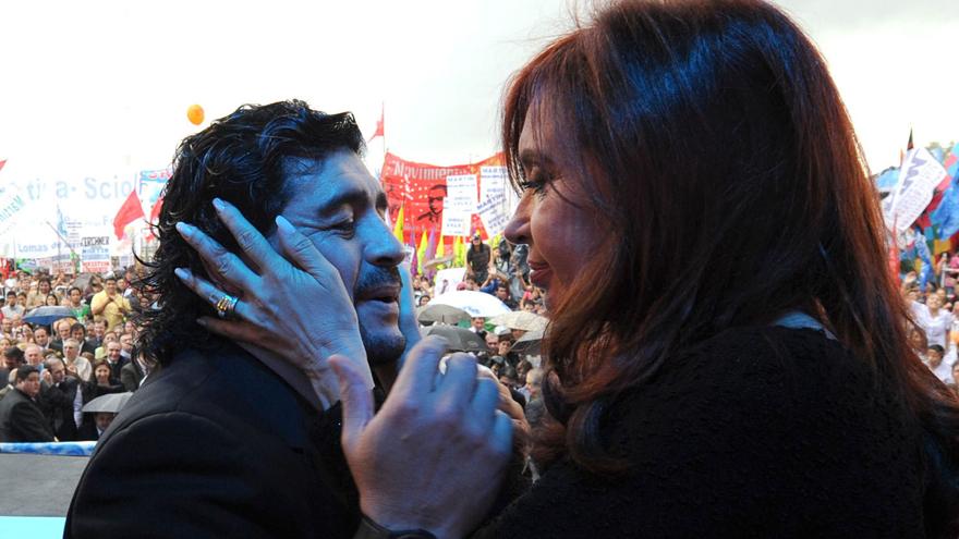 La vicepresidenta tenía diálogo con Maradona.