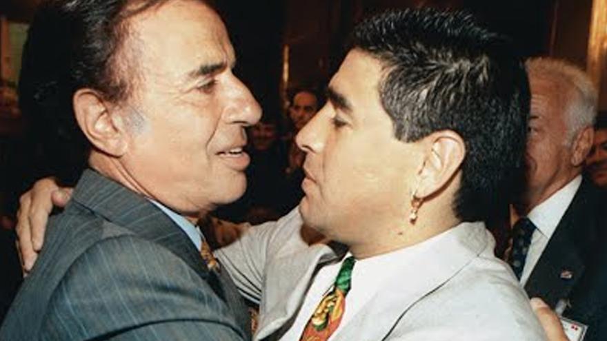 Carlos Menem se rodeó durante su presidencia de personalidades, en este caso Diego Maradona