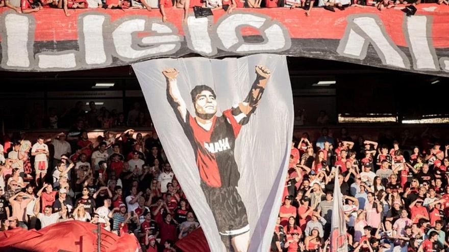 Maradona también despertó la pasión de los hinchas de Newell's.