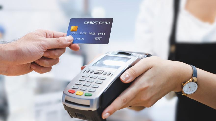 La AFIP extiende el reintegro para compras con tarjeta de débito