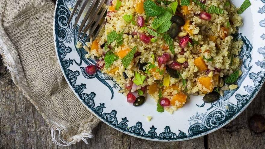 La quinoa se puede comer en ensaladas, ya sean frías o tibias