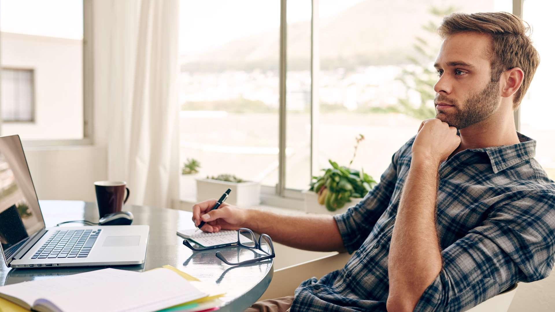 Las personas y las empresas han optado por llevar a cabo sus actividades laborales desde el hogar