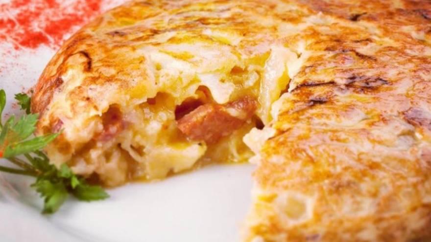 La tortilla de papas se puede preparar con diversos agregados