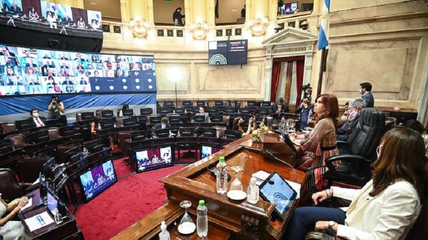 Senado: hubo acuerdo y la postergación de las elecciones se votó sin debate previo.