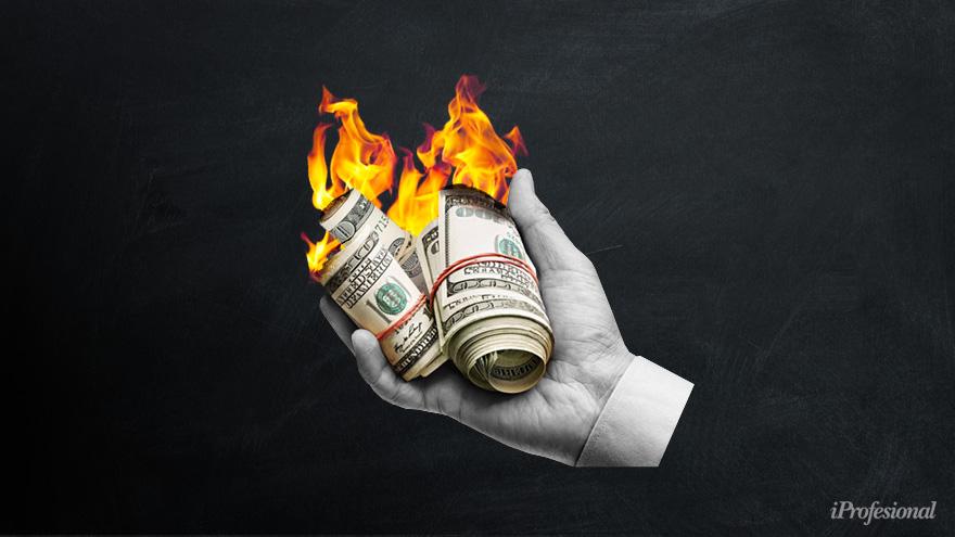 Los economistas estiman que en 2021 hay demasiados fundamentos para que el dólar pegue un salto en su precio.
