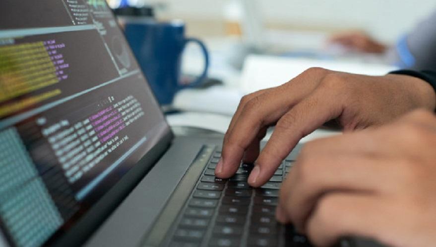 La programación de software es una de las actividades alcanzadas por la nueva ley.