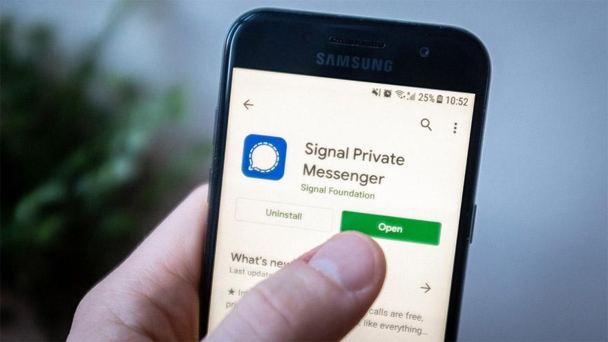 Signal fue recomendada por Elon Musk y Edward Snowden.