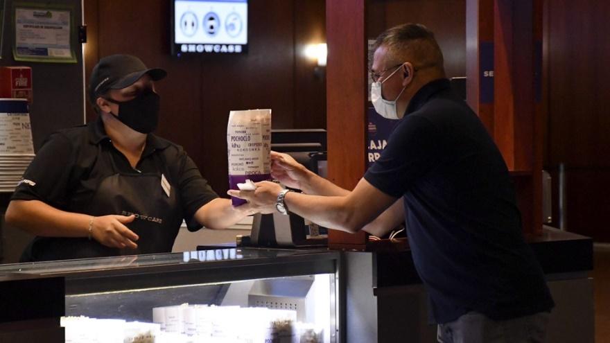 Los cines promueven la venta online tanto de entradas como del