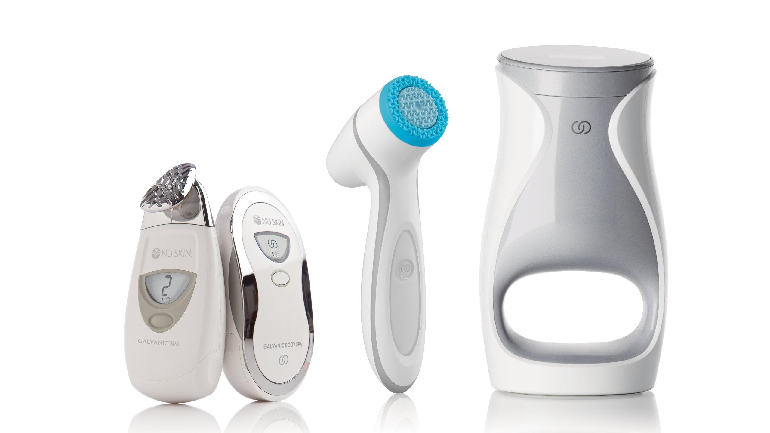 La LumiSpa, su producto insignia, promueve la remoción de suciedad, grasa, maquillaje y células muertas