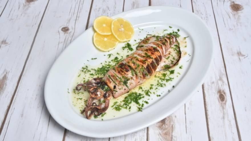 Qué comidas son saludables: los calamares a la plancha son una buena fuente de proteínas