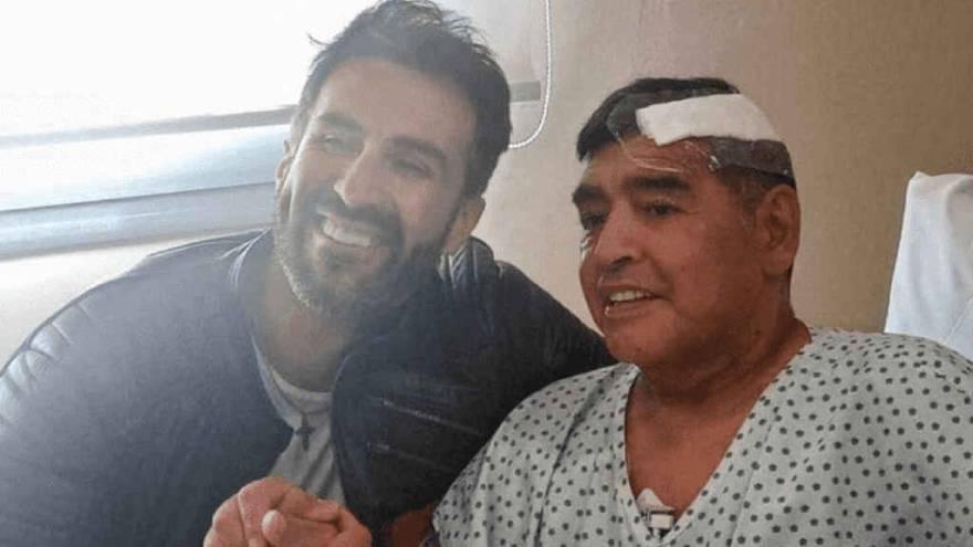 El médico Luque y Diego Maradona.