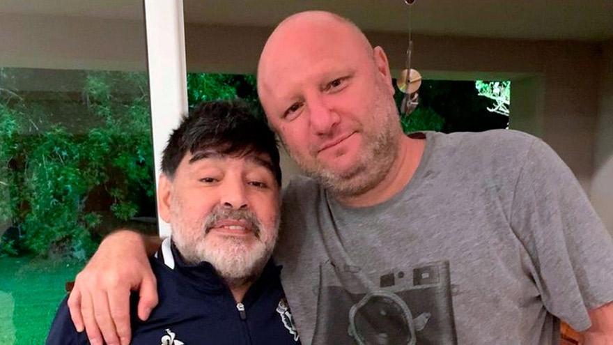 Amigos: Israelit y Diego Maradona.