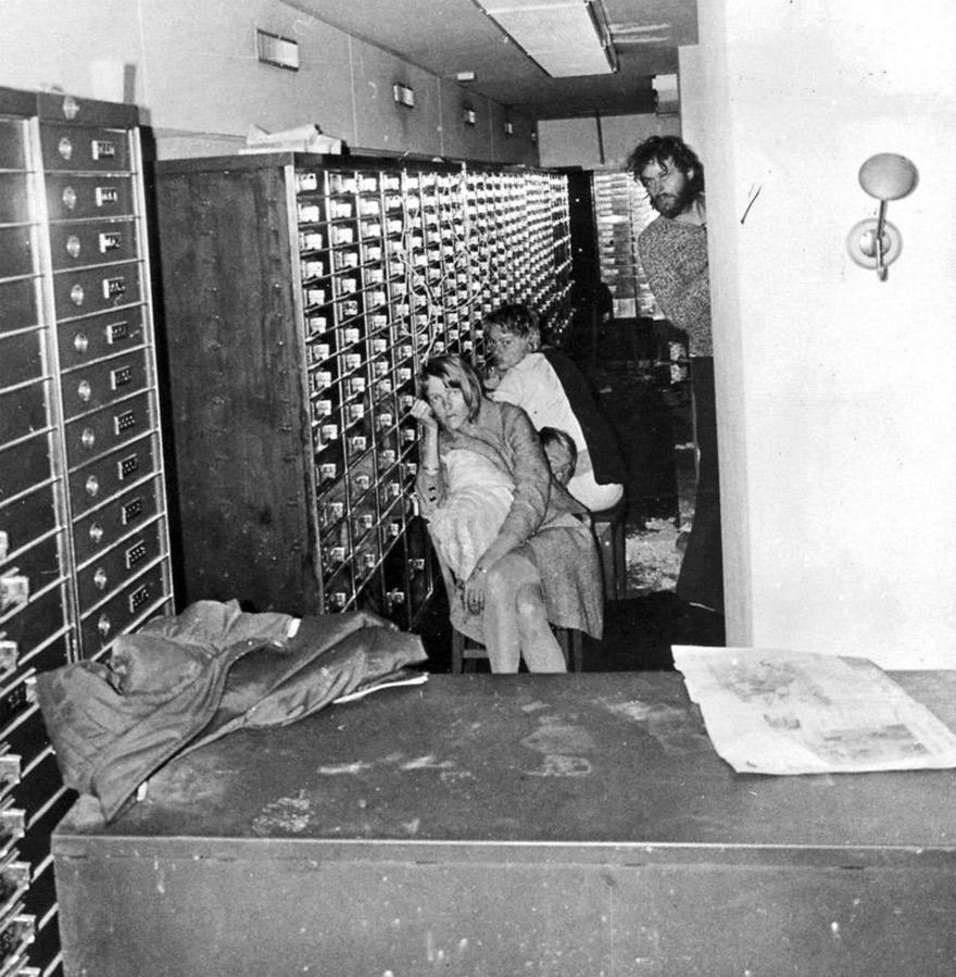 Los rehenes quedaron atrapados en la bóveda del banco.