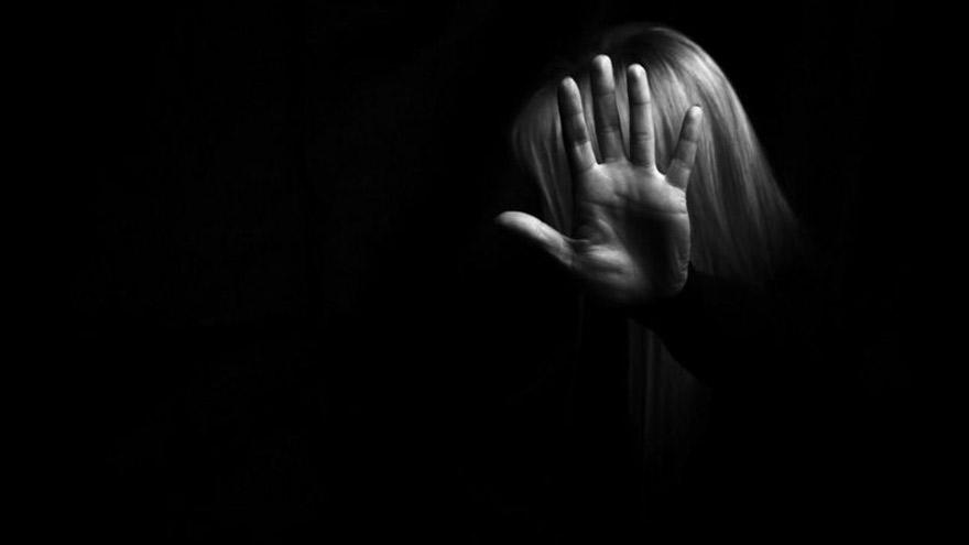 El síndrome de Estocolmo no debe usarse para explicar el abuso doméstico, denuncian opositores.