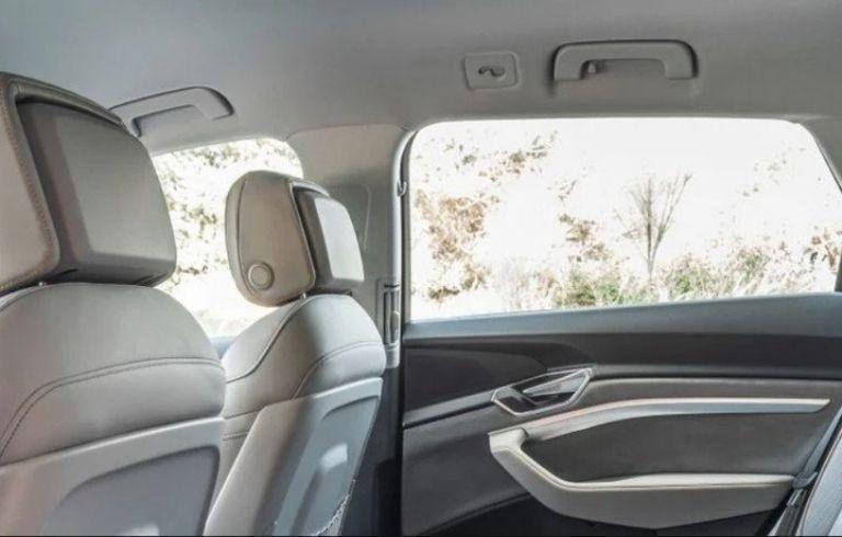 La manija en el interior de los autos tiene diferentes utilidades.