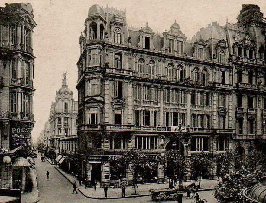 El edificio de Gath & Chaves a principios del siglo pasado.