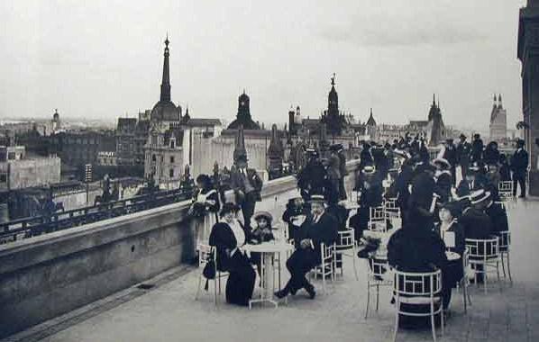 Distinguida confitería en la terraza de Gath & Chaves.