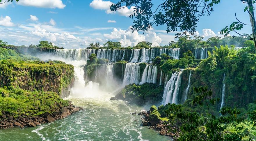 Las cataratas del Iguazú con su sello de