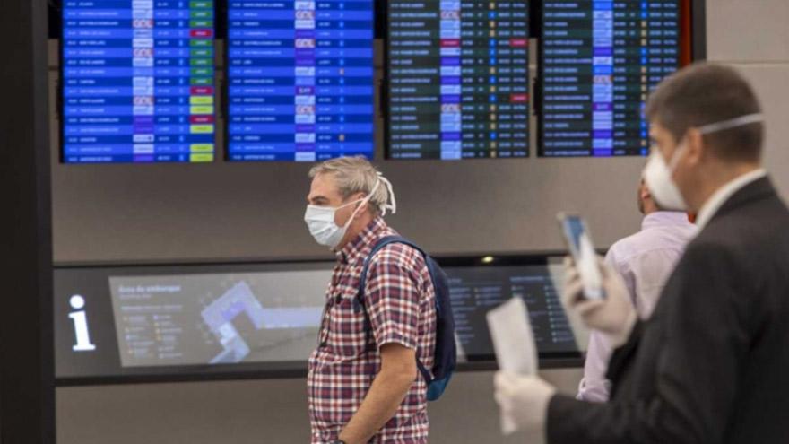 Las fronteras estarán cerradas para los vuelos que lleguen desde Brasil, Chile y México