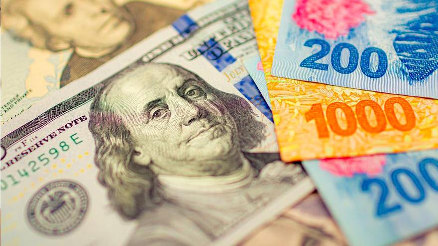 Hay una mayor liquidez de pesos en el mercado y eso hace que muchos de esos billetes vayan a comprar blue.