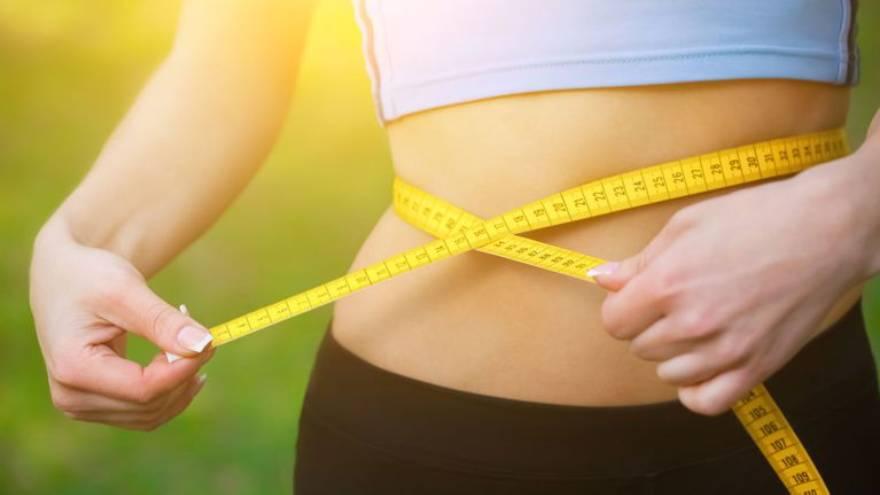 Medir la cintura puede ser una de las formas de saber si se ha perdido peso
