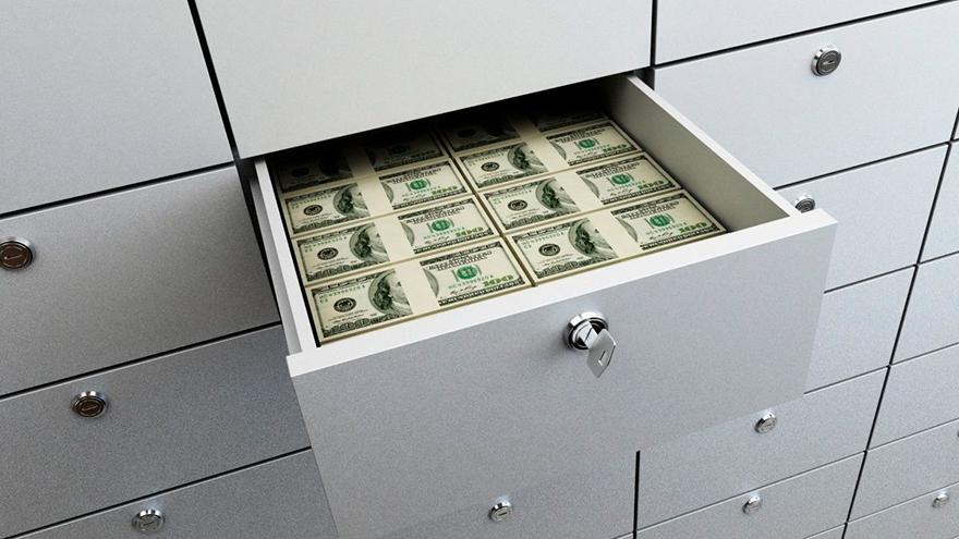 La principal recomendación es guardar el dinero en cajas de seguridad
