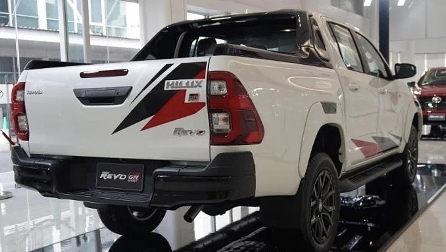 Así es la nueva Toyota Hilux GR de atrás.