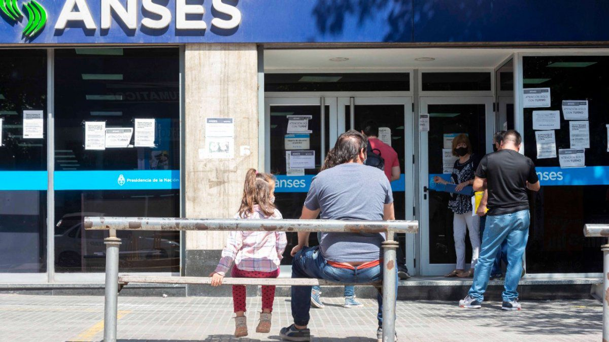 ANSES informó que las jubilaciones, pensiones y asignaciones se pagarán desde el 1º de septiembre con