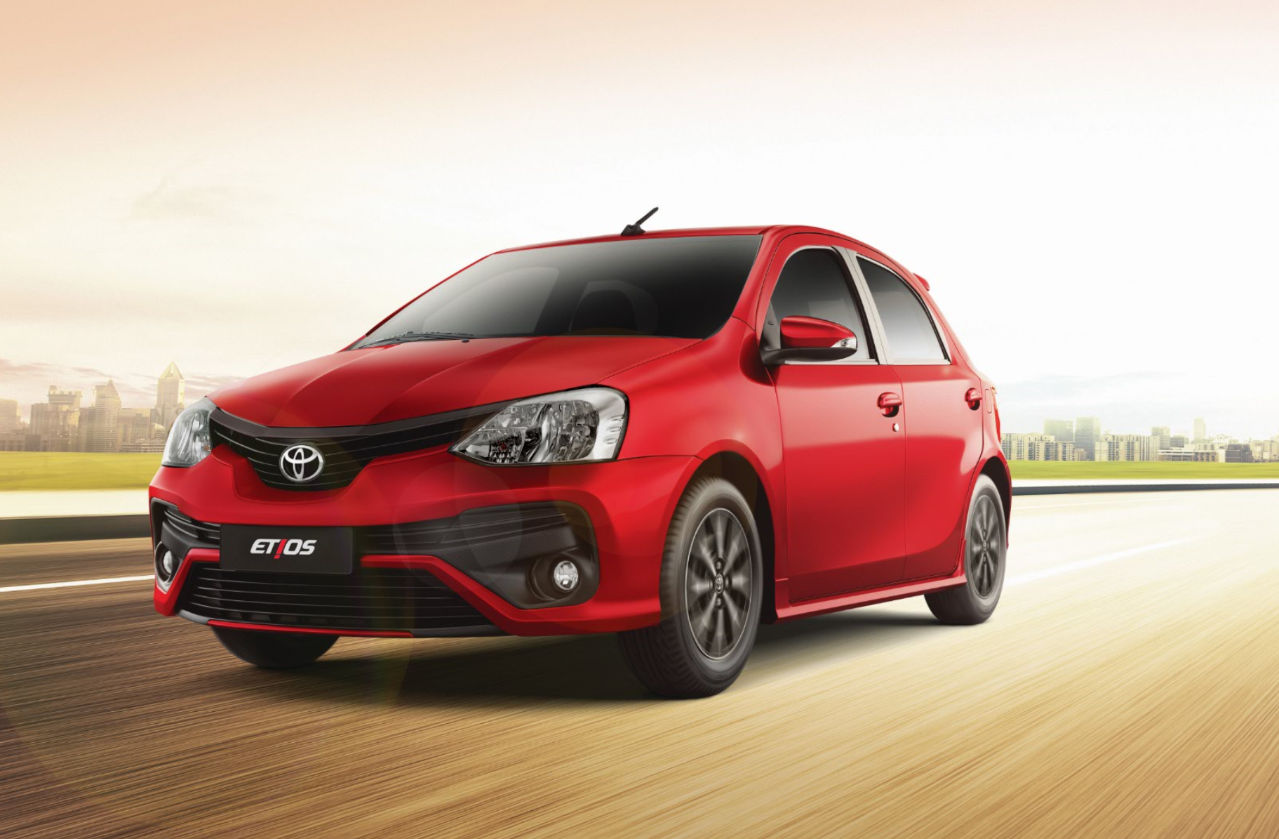Toyota Etius es uno de los coches más baratos.