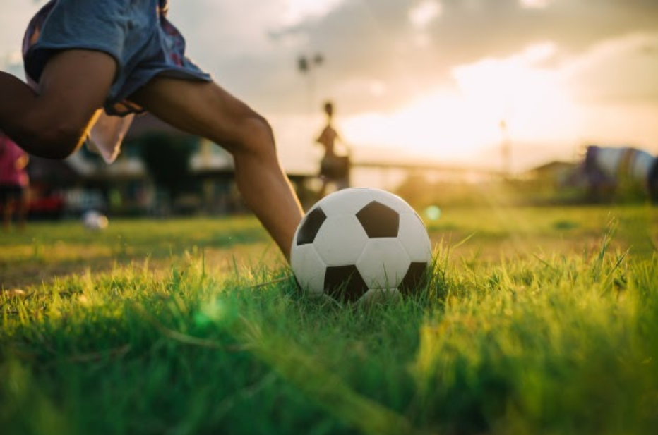 El fútbol es uno de los deportes más difundidos y ha quedado suspendido en todos sus niveles por la pandemia de coronavirus