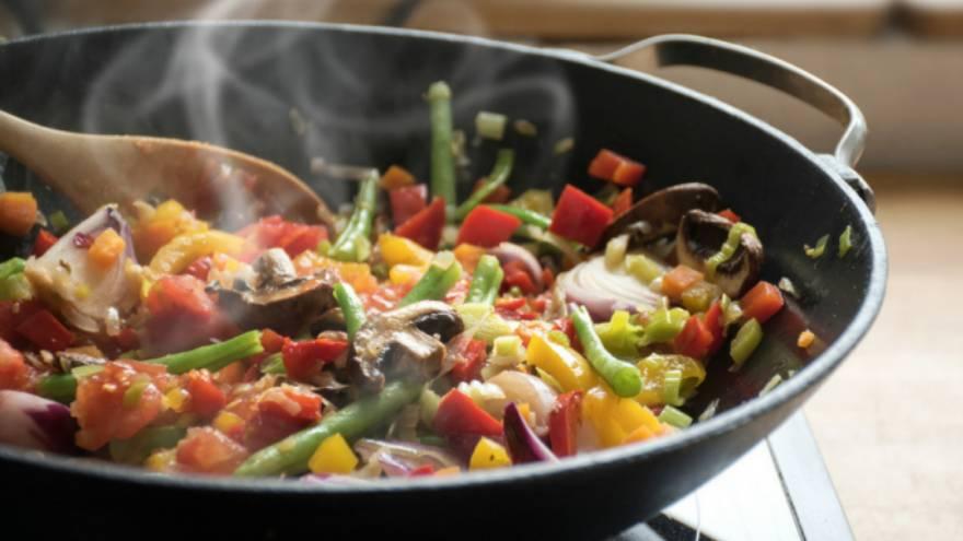Se aconseja consumir alimentos con poca grasa