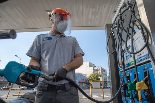YPF anunció un nuevo aumento, del 3,5% promedio, en los combustibles