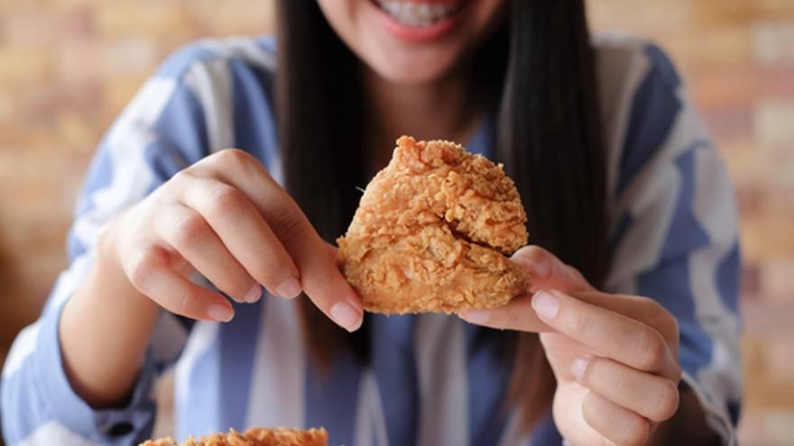 El pollo se debe consumir bien cocido