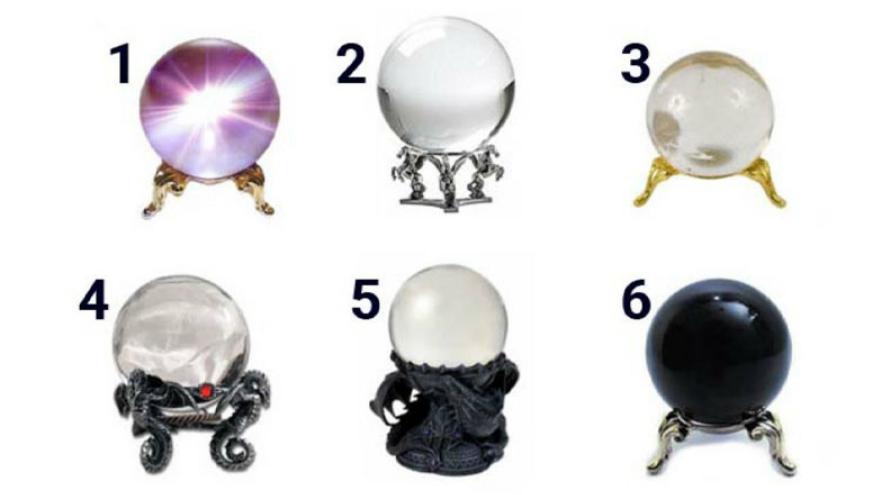 Averiguá lo que pasará en tu futuro cercano eligiendo una de estas bolas de cristal