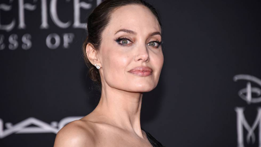 Jolie wanted to hire a hit man to kill her, but it was he who convinced her not to